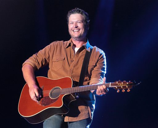 Blake Shelton suing In Touch Weekly (Photo by Owen Sweeney_Invision_AP, File)_58104