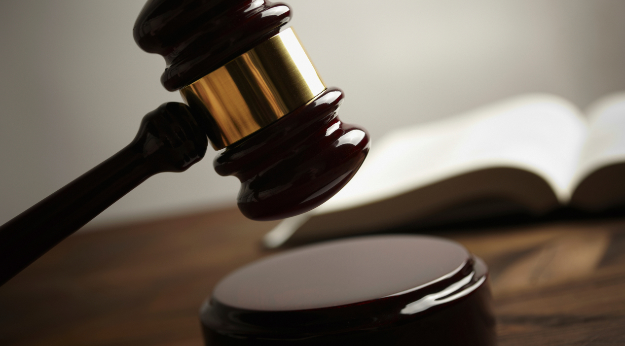 Savannah man pleads guilty to selling machine guns_105168