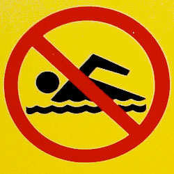 beach-closed-no-swimming_262741
