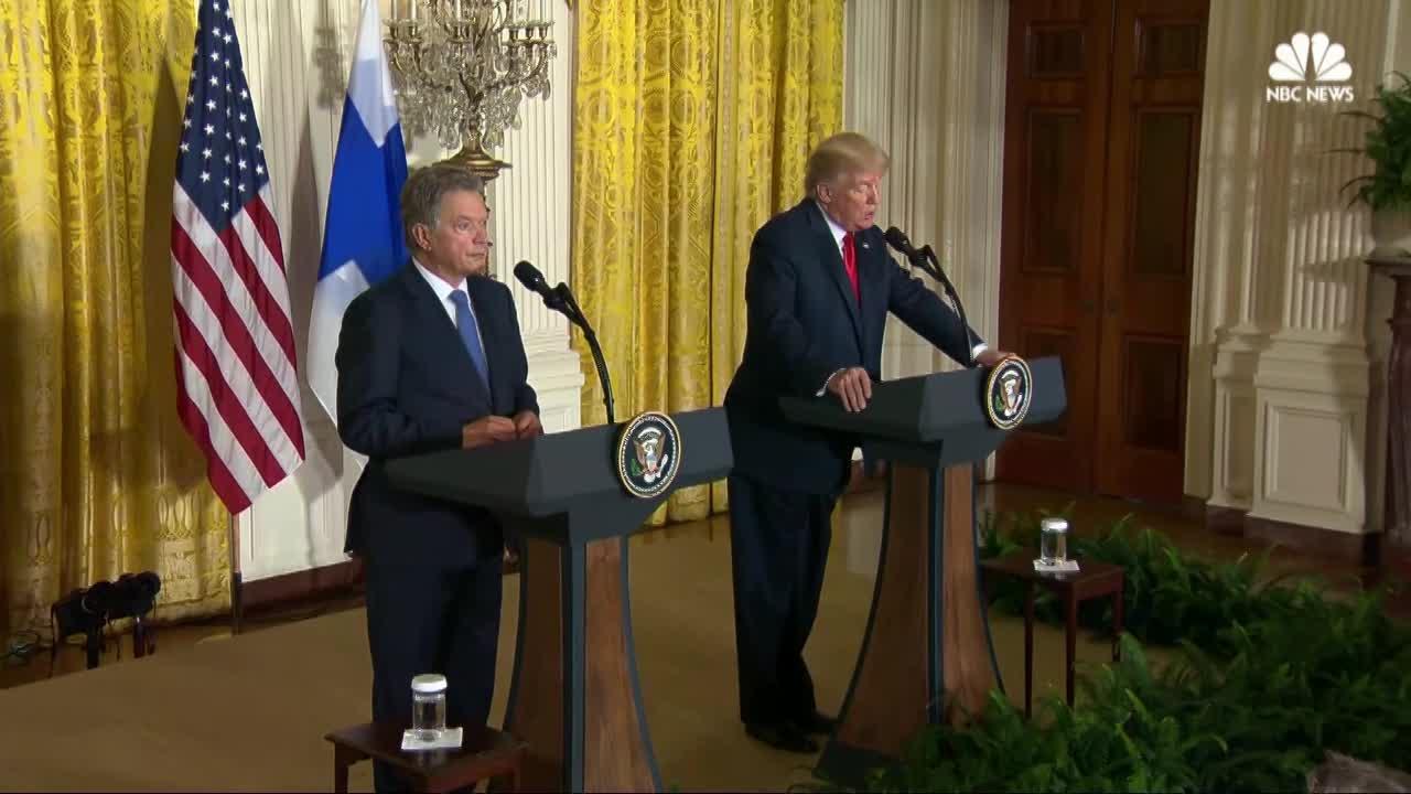 Trump defends pardon