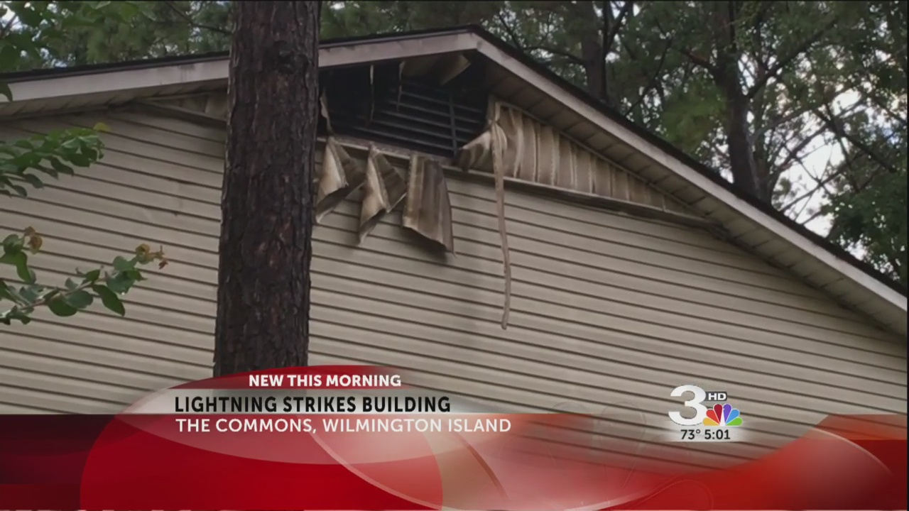 lightning strikes Commons in Wilmington_282364