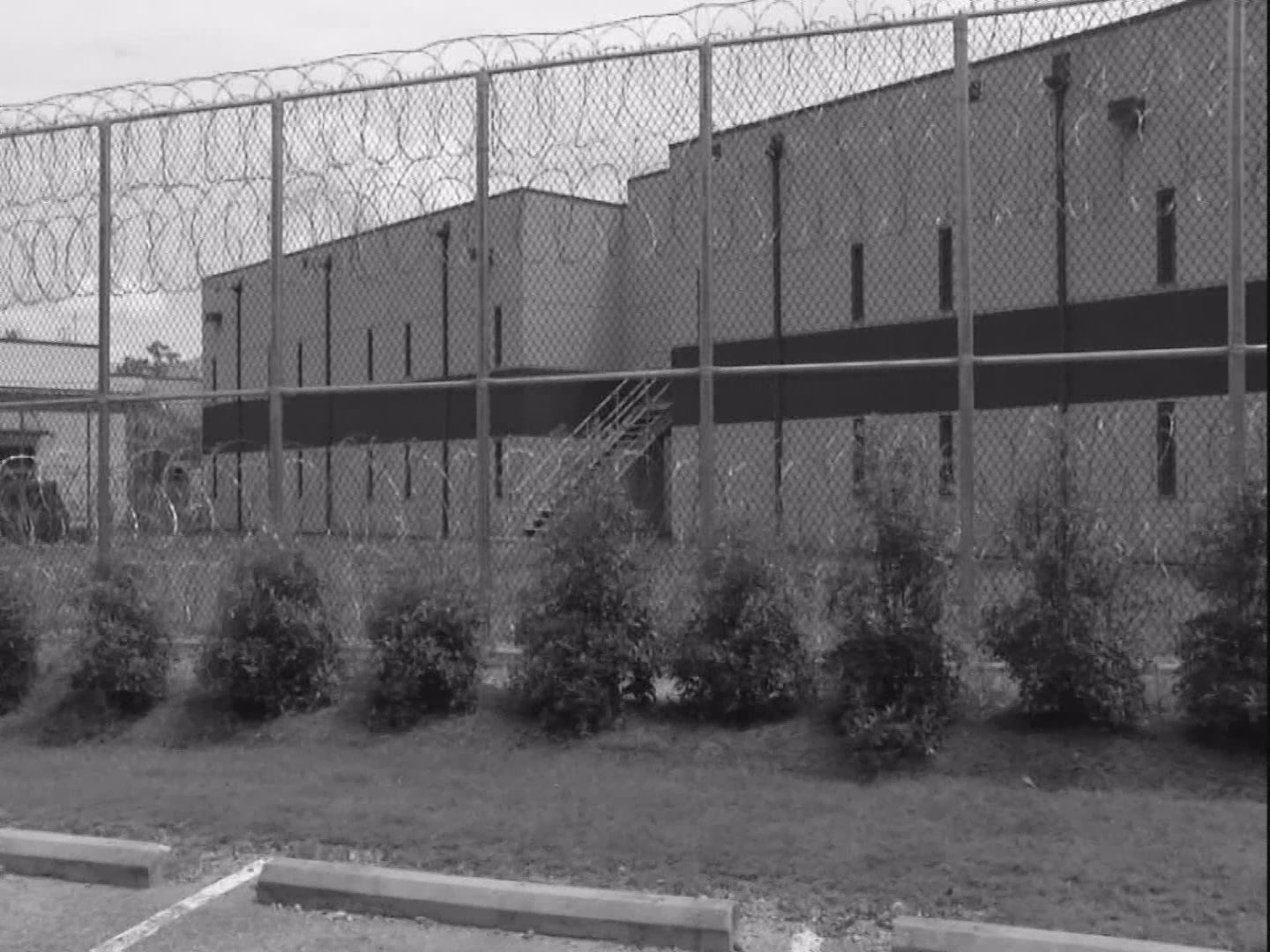 JAIL CONTRACT PIC_320311