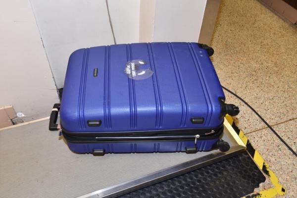 suitcase 1_313448