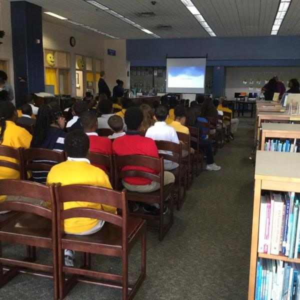 Meteorologist Lee Haywood visits the 6th grade classes at Snelson-Golden Middle School._328982