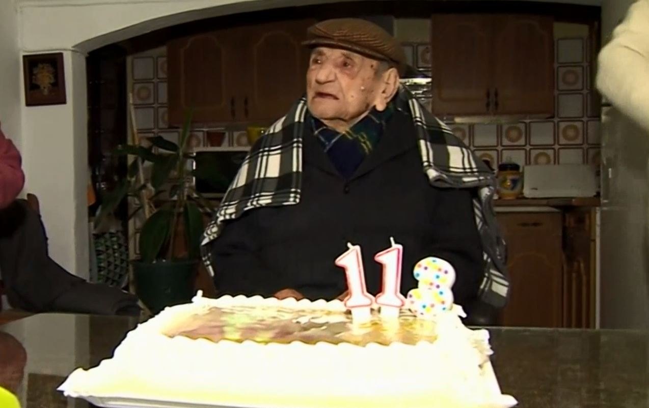 worlds oldest man1_360473