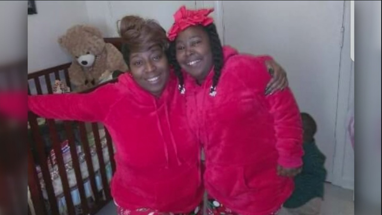 Mother dies after apartment fire