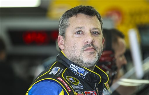 NASCAR New Hampshire Auto Racing_1522842591843