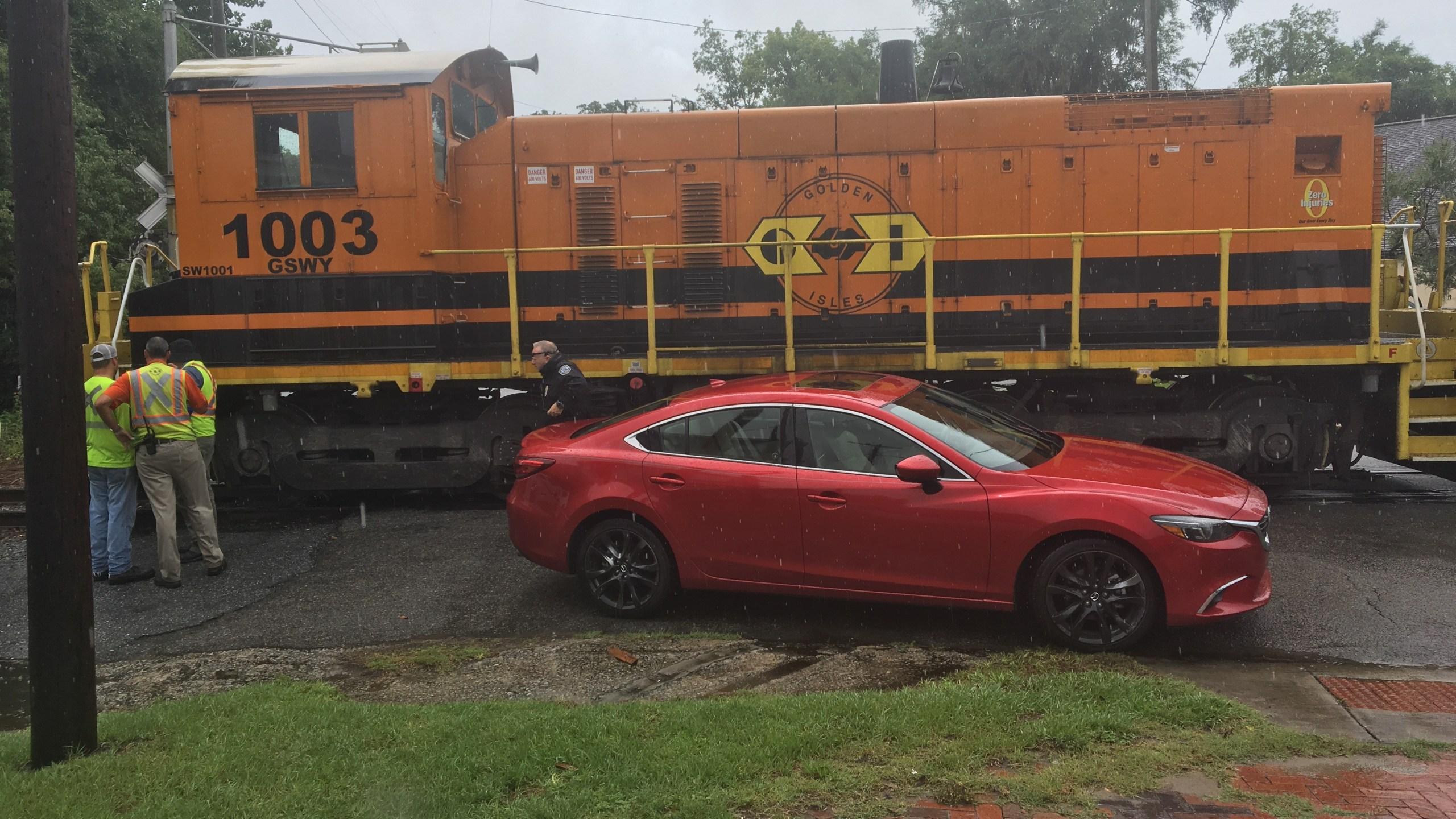 Car vs train, photo 2