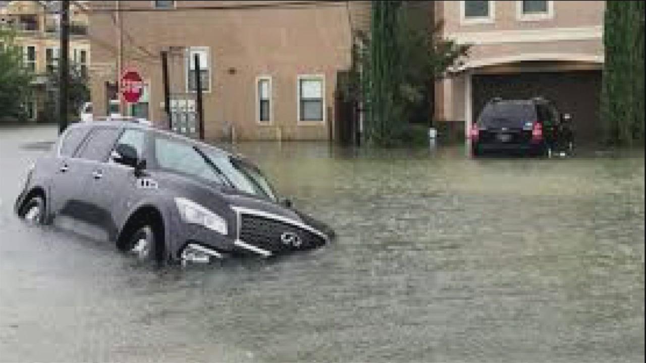Beefing up flood-damaged vehicle information