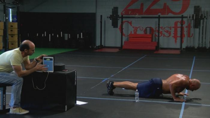 Police officer attempts to break push-up world record