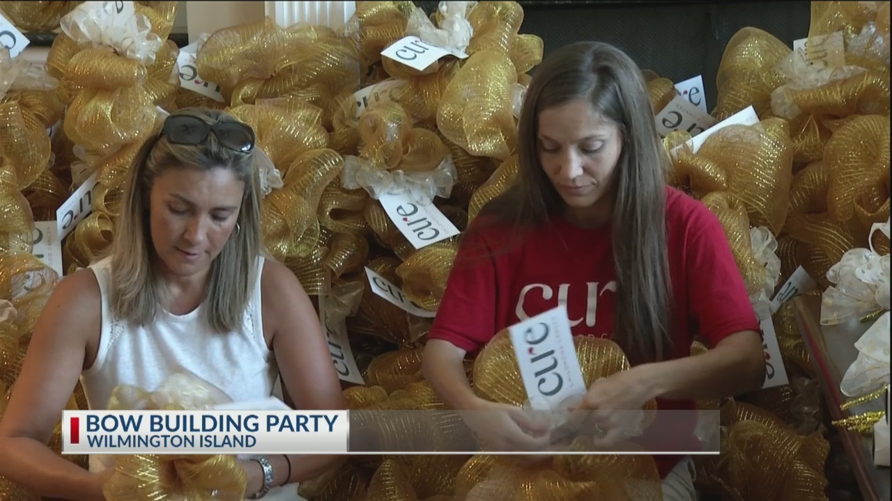 Golden Bows to help Cure Childhood Cancer
