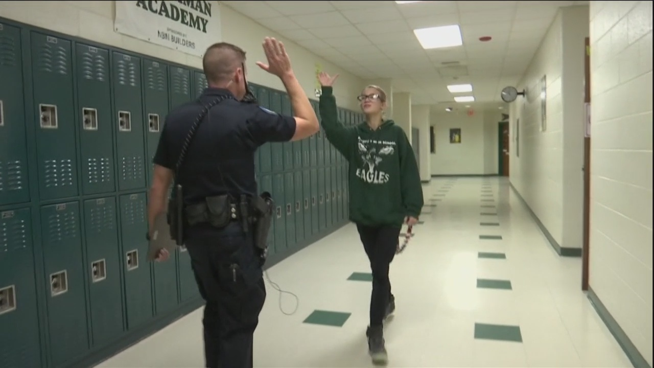 Beaufort school resource officer gives high-fives to keep school safe