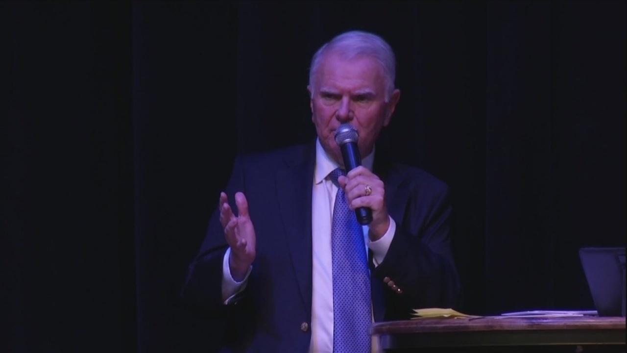 John McCann wins runoff election for HHI mayor