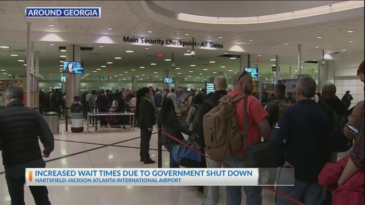 Long_lines_still_reported_at_Atlanta_air_0_20190115103921
