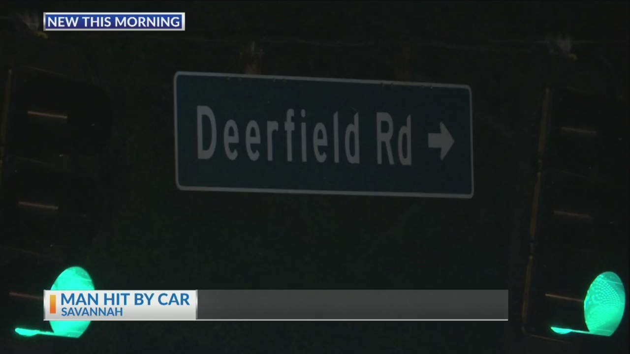 Man_hit_by_car_near_Deerfield_and_Aberco_0_20190129124845