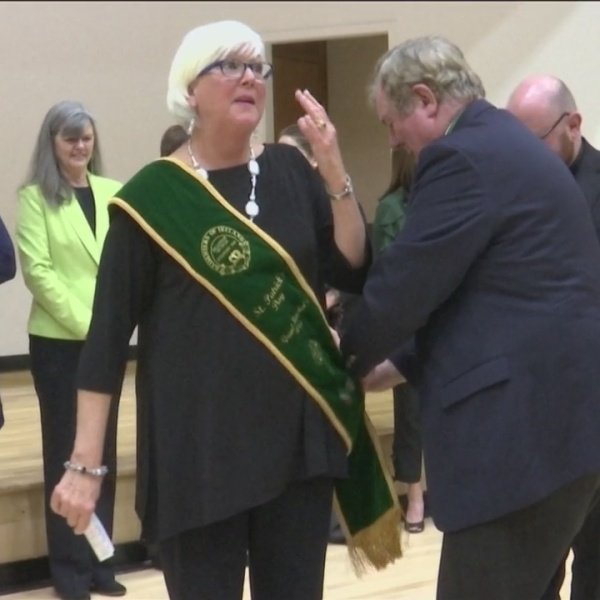 Grand_Marshal_s_Wife_presented_with_sash_0_20190228033543