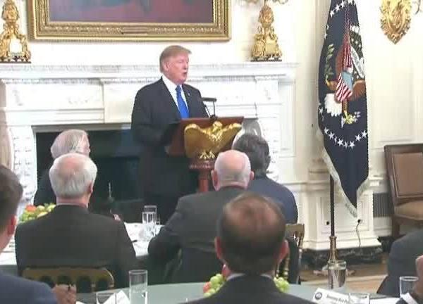 Trump_Departs_For_North_Korea_Summit_0_20190226101658