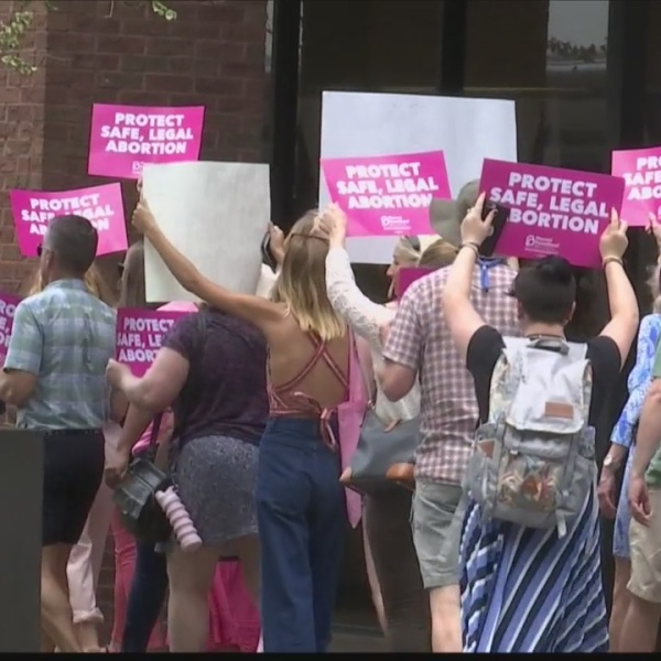 Pro-choice supporters rally in Savannah against abortion bans