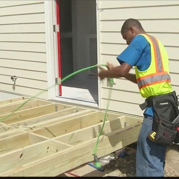 Savannah students helping to build 71 tiny houses