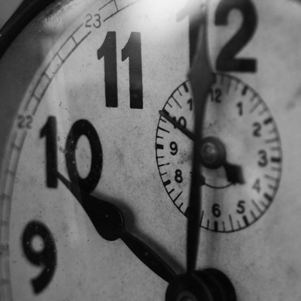 clock time daylight savings_1557249636889.jpg.jpg