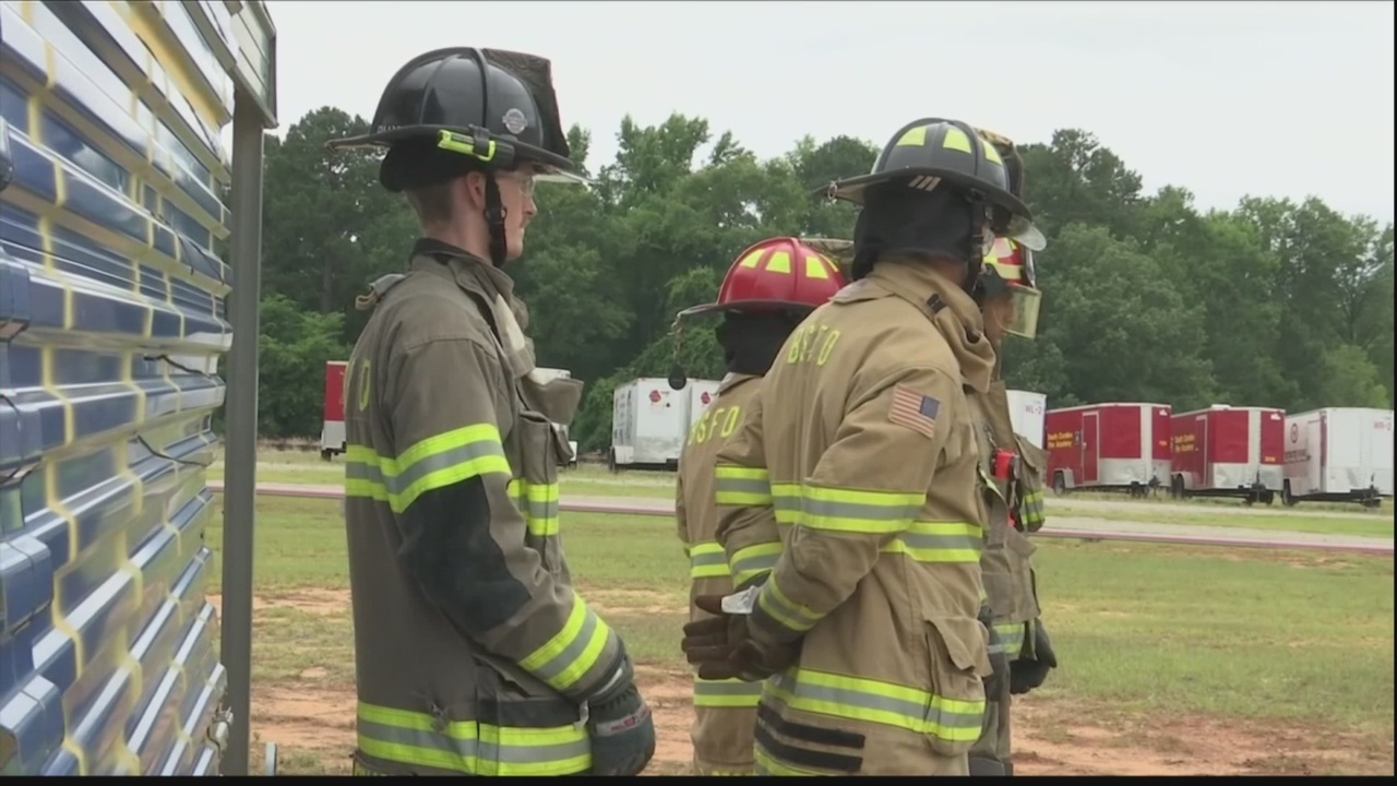 Memorial held for Charleston firefighters killed 12 years ago