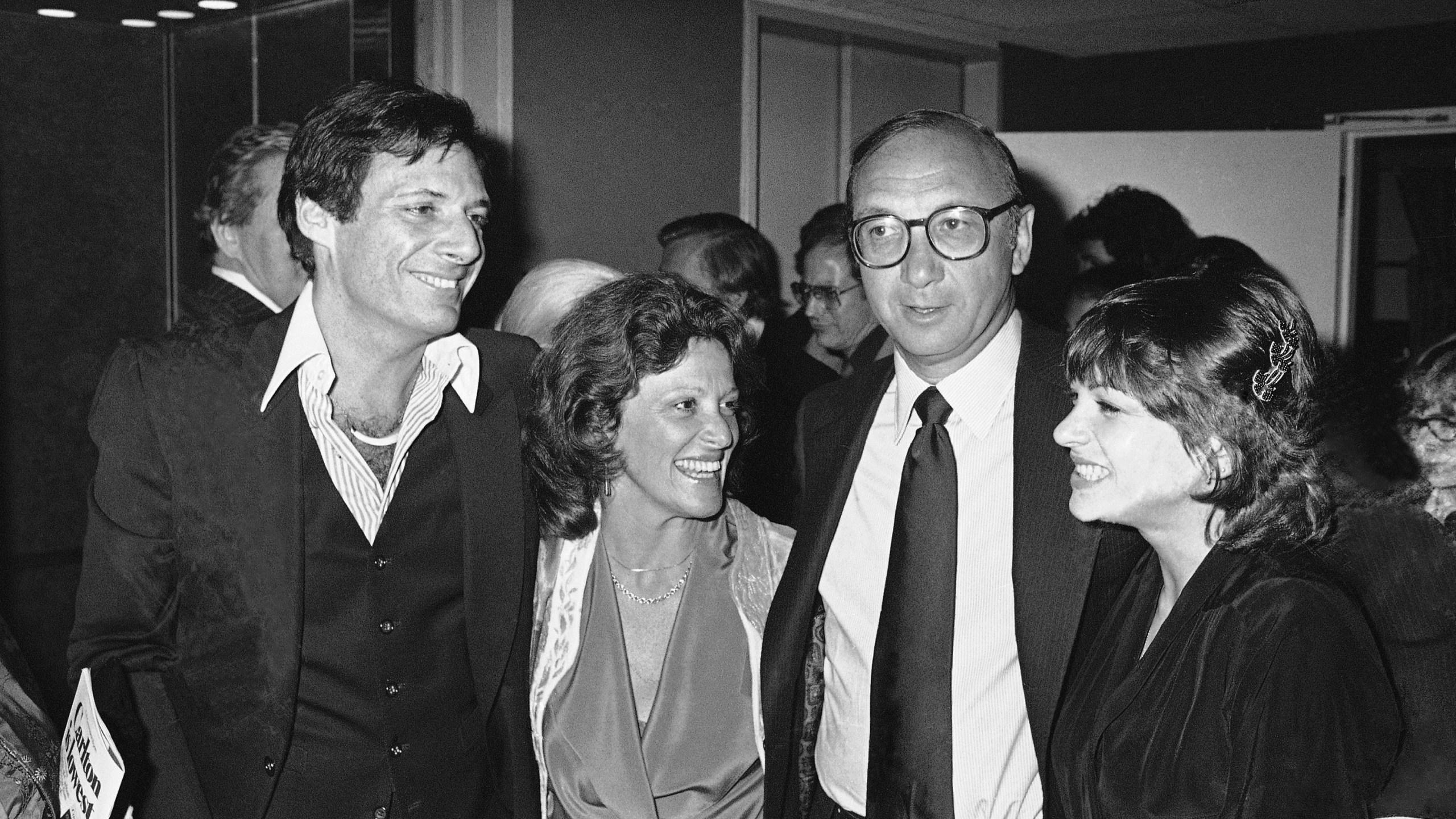 Ron Leibman, Dinah Manoff, Neil Simon, Linda Lavin