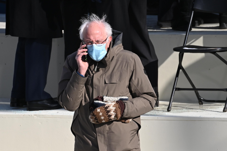 Bernie Sanders Spawns Splash Of Memes With Inaugural Attire Wsav Tv