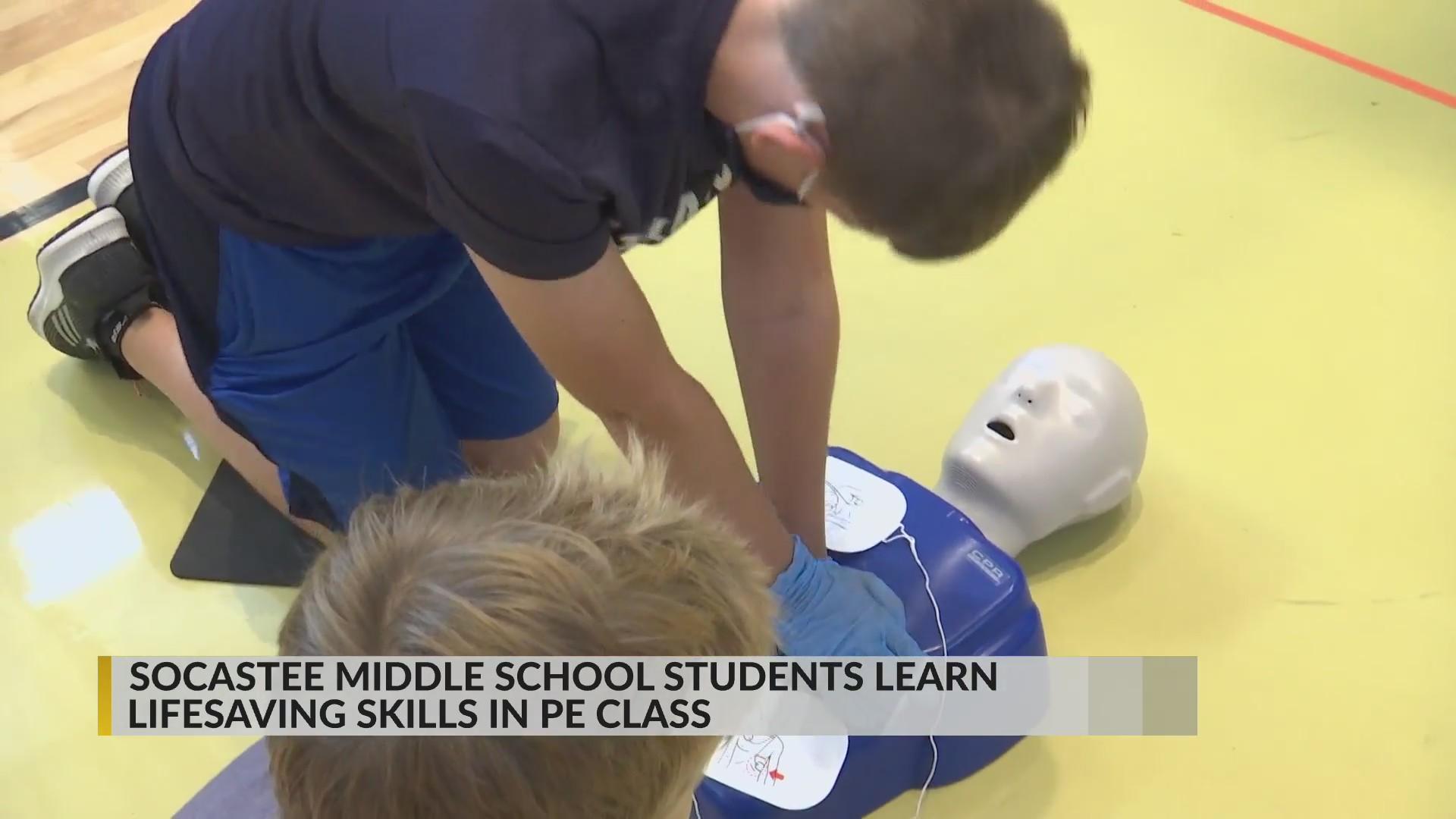 Middle school students get life-saving skills training